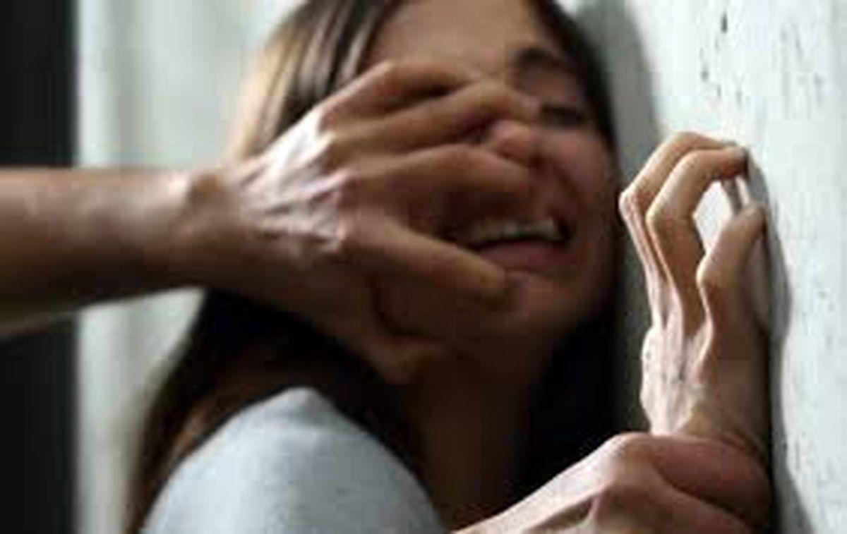 تجاوز به دو دختر جوان در پراید و فیلمبرداری از آن + عکس